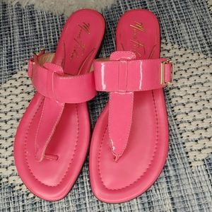 Marc Fisher hot pink thong sandals size 7.5